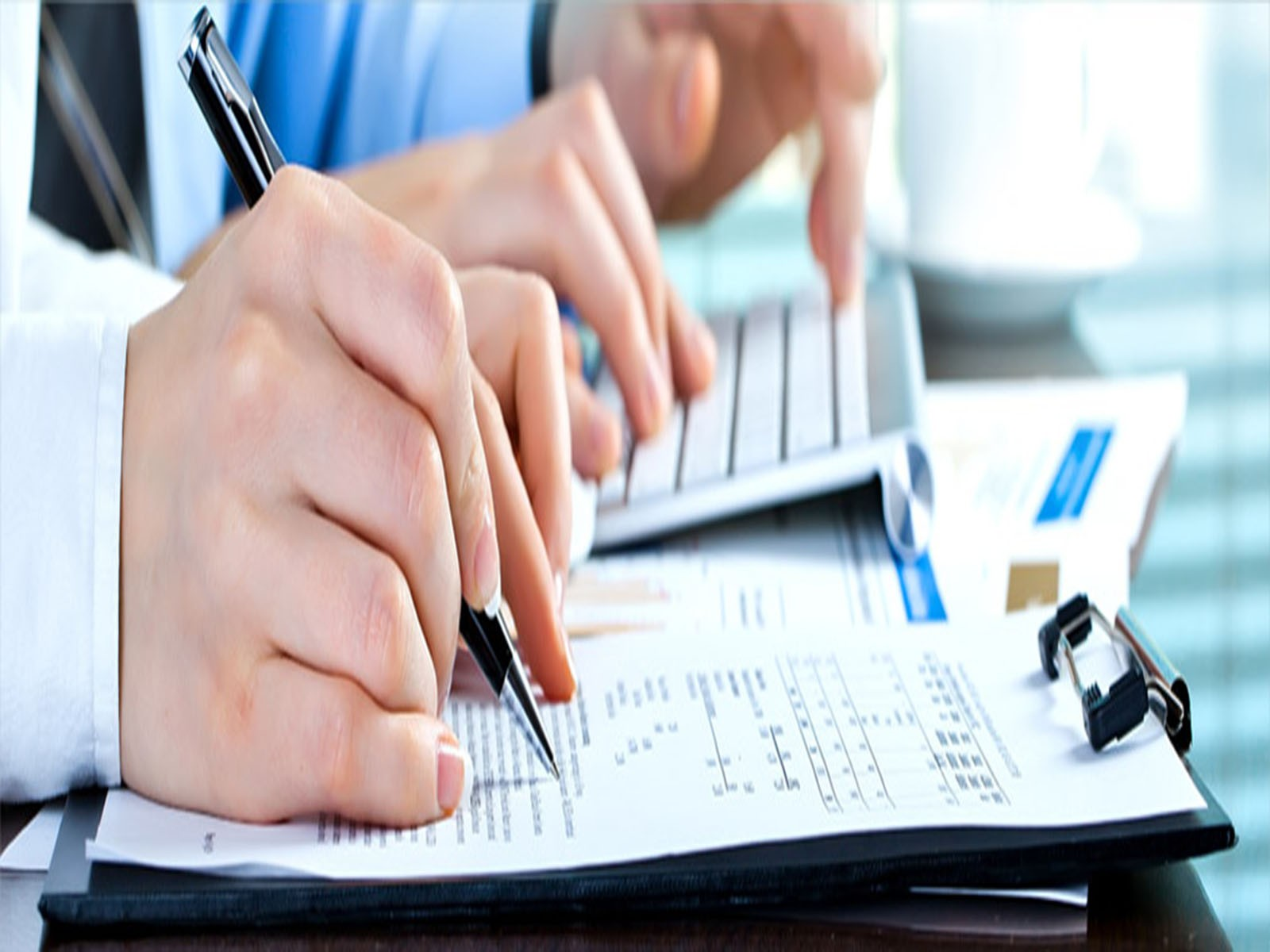 Reduce Financial Stress: Outsource your Bookkeeping and Accounting NOW